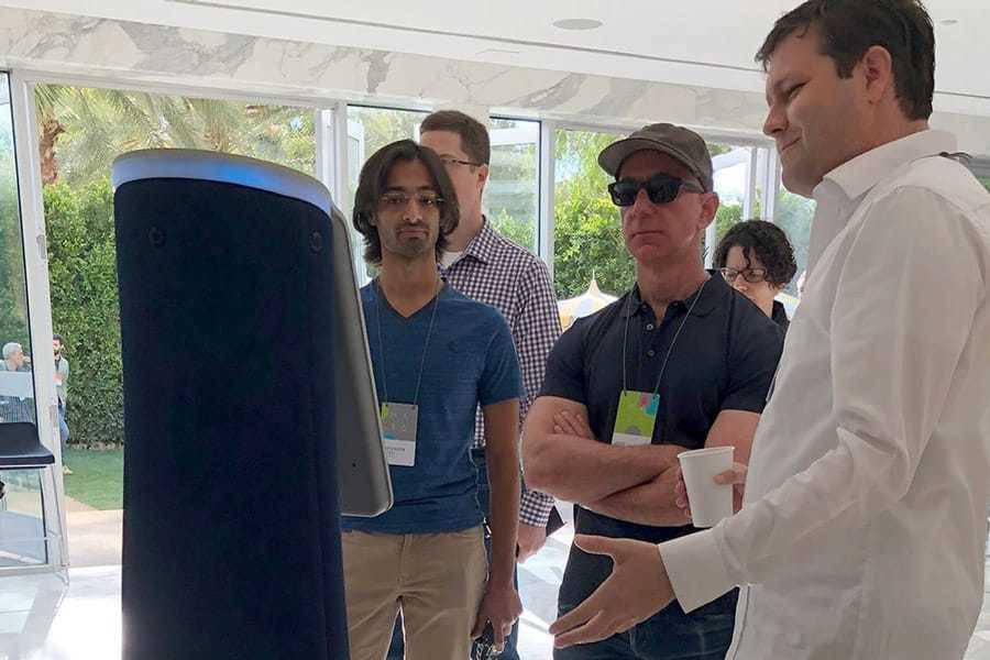 Dr. Travis Deyle presenting Cobalt Robot to Jeff Bezos at MARS Conference